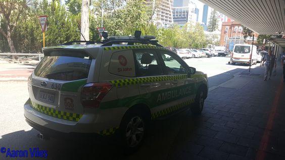 https://flic.kr/p/NVHRUh | St John Ambulance WA | Special Paramedic Unit parked outside Royal Perth Hospital. Perth, WA