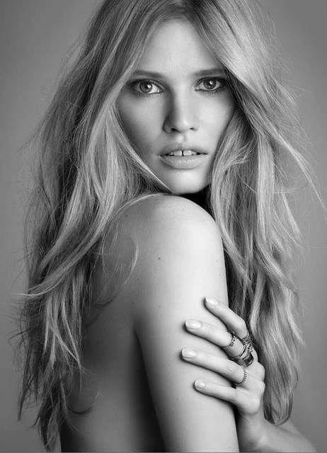 Lara Stone for L'Oreal | Russh Magazine | Effortless Beauty | Blonde Waves | Natural | Minimal | HarperandHarley