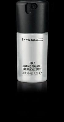 Fix + / Travel Size Pour rafraîchir la peau ou ajouter la touche finale à votre maquillage, cette brume d'eau à base de de vitamines et de minéraux contient un mélange apaisant de thé vert, de camomille et de concombre. Parfum frais de cèdre du Japon. 30 ml 10.00€