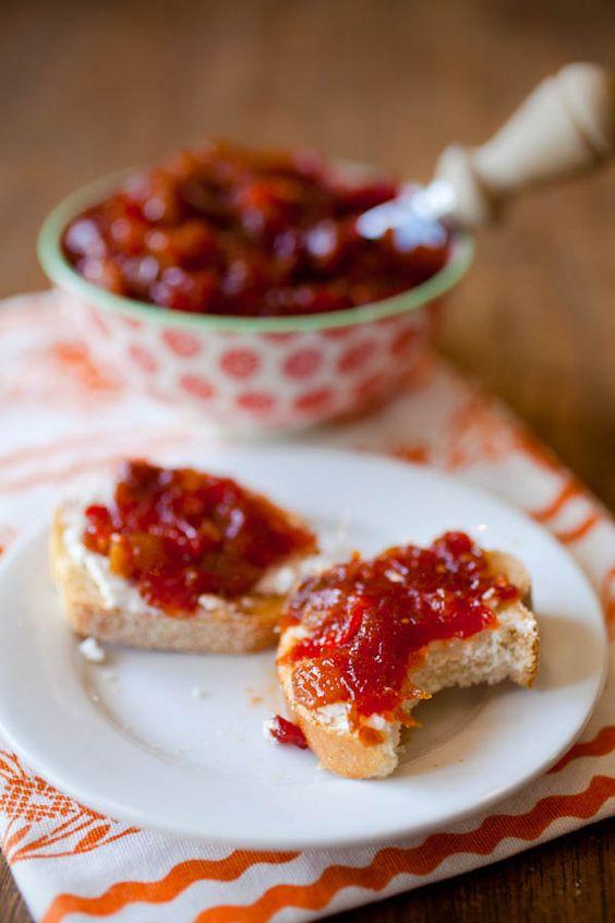 Spicy Tomato Chutney Toasts