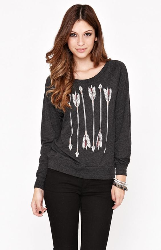 Lira  Quill Long Sleeve Crew Tee  $43.50  Buy 1 Get 1 50% Off  Details  Sku # 0716432460001  Read reviews  Write a review  Color:        BLACK