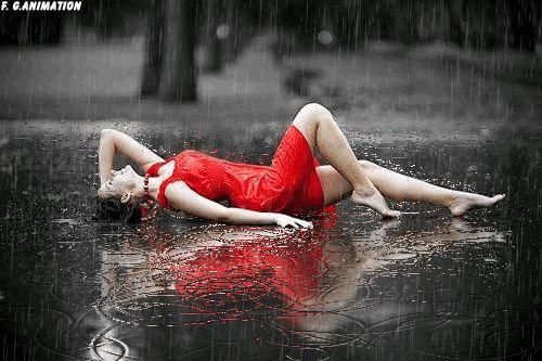 I'm lying here in the rain, and wish you were with me my darling  <3   Ich liege hier im regen, und  wünschte du wärst bei mir mein Liebling  <3