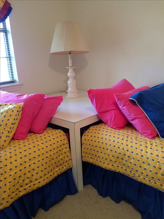 Corner Table For Twin Beds Guest House Pinterest