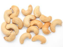 """Raw Cashews : """"Any vegan will tell you that this protein-packed nut is the key to replacing dairy—you can use it to make non-dairy milk, yogurt, sour cream, vegan cheeses, and sauces,"""" says McCowan. """"Soak them raw and blend for an incredible 'cream' that can take the place of regular cream in most recipes,"""" says Isa. Hello, vegan fettuccine alfredo and frosting!"""