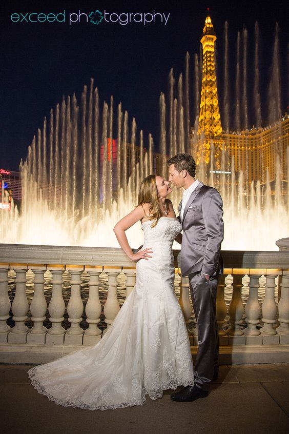 Las vegas strip wedding photo tour bellagio fountains for Las vegas strip wedding photography