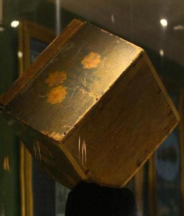 Boston Tea Party Museum and Old South Meeting House unveil rare tea chest artifact - Metro - The Boston Globe