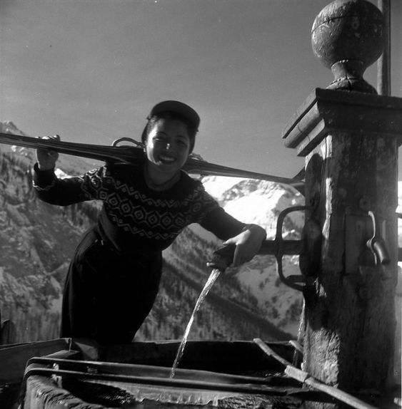 Robert Doisneau   //  Mountain  -  Skieuse à la fontaine, Saint-Veran 1947