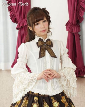 innocent world - Millefeuille Princess Sleeves Lace Blouse Beige×Chocolat