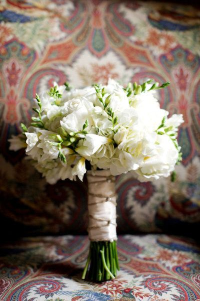 bouquet inspiration- love love love, I'm obsessed with burlap!