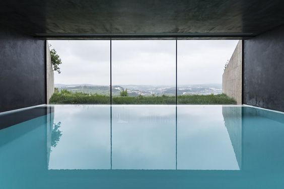 Casa Varatojo. Location: Torres Vedras, Portogallo; firm: Atelier Data; year: 2013