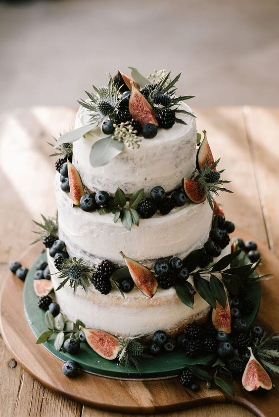 Christmas wedding cake! 9