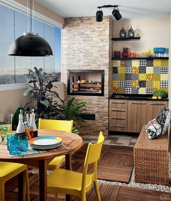 Küchendekoration 8 küchendekoration tapete ziegel le runder tisch gelbe stühle