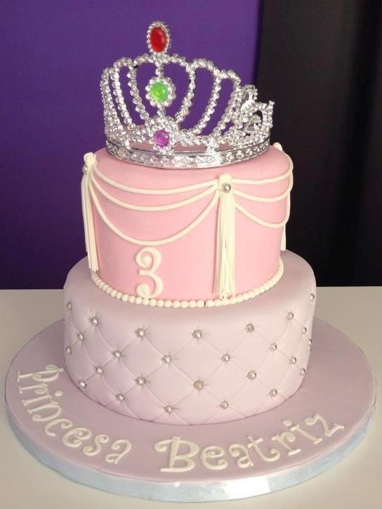 princess cake, tiara cake, pink cake, capitone cake