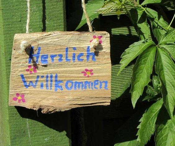 Gartendekoration - Schild Herzlich Willkommen - ein Designerstück von mARgriTs-Atelier bei DaWanda