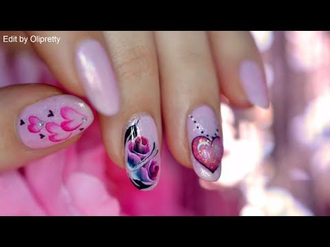 Elle ajoute du rose et de noir sur son pinceau pour peindre son ongle, sa réalisation est MAGNIFIQUE! - Bricolages - Des bricolages géniaux à réaliser avec vos enfants - Trucs et Bricolages - Fallait y penser !