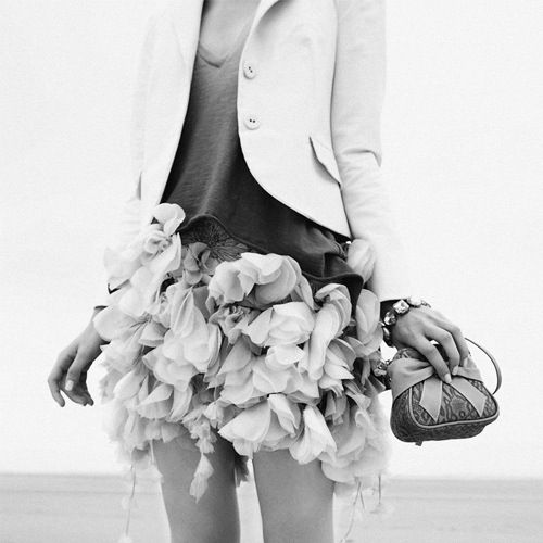 flower skirt: Ideas, Fashion Amazing, Fashion Style, Chic Chick, Black White, Awesome Outfits, Flower Child, Skirt Bazaarflowers, Flower Skirts
