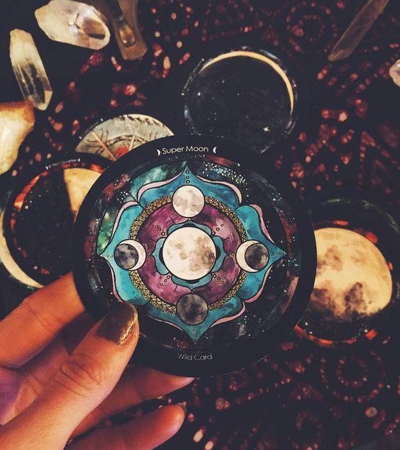 the Spirit De La Lune deck....now that's exquisitely witchy. Love it:):