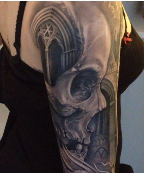 Skull sleeve by Johan Ewil Twin Sweden