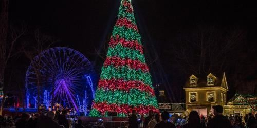 Holiday In The Park At Six Flags Fiesta Texas Holiday In The Park Starts This Weekend Do You Hear Six Flags Fiesta Texas Six Flags Great Adventure Six Flags