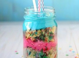 birthday cake in a jar! icing and all