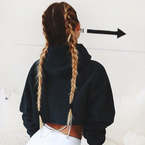 Perfect rainy day hairstyle that will save your hair :  Double French Braid ! Easy and fast hairstyle, sport hairstyle. Une coiffure facile et rapide pour les jours de pluie : double tresses africaines
