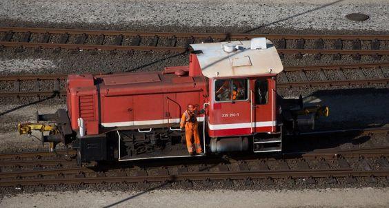Nachricht: Tarifverhandlungen: Bahn-Mitarbeiter drängen aufmehr Lohnvor Weihnachten - sonst Warnstreiks - http://ift.tt/2gYux18 #news