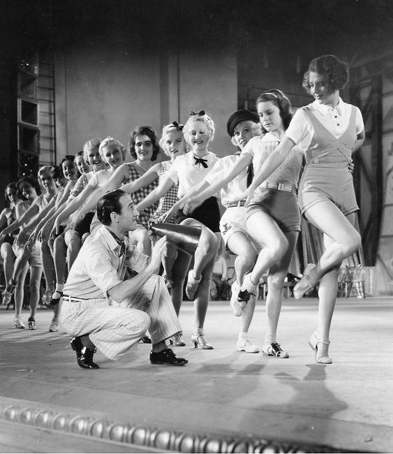 42nd Street showgirls