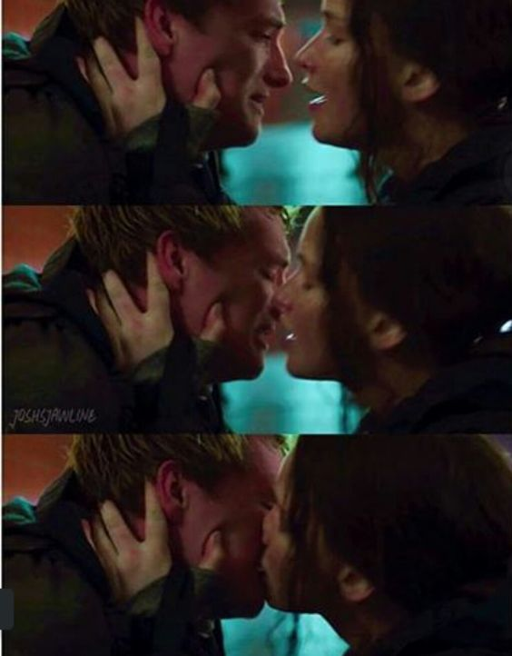 Peeta and Katniss kiss - Mockingjay Part 2 | The Hunger ...