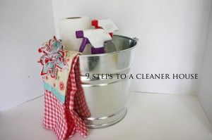 metal bucket! cleanhouse: Cleaning Keeping, Cleaning Organize, Bucket Cleanhouse, Cleaning House, Metal Buckets, Organizing Cleaning, Cleaning Recipes, Clean House, Cleaner House