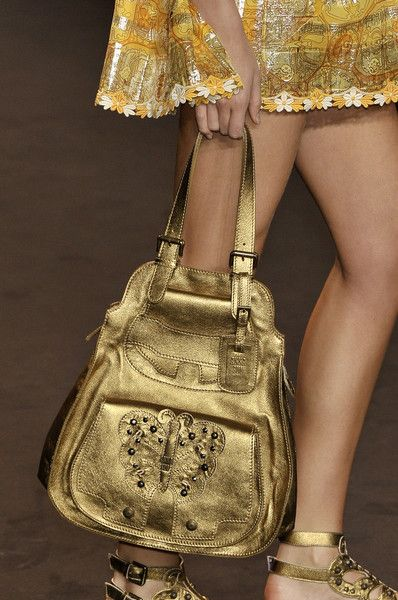 whatchathinkaboutthat:  Anna Sui Spring 2010 Details