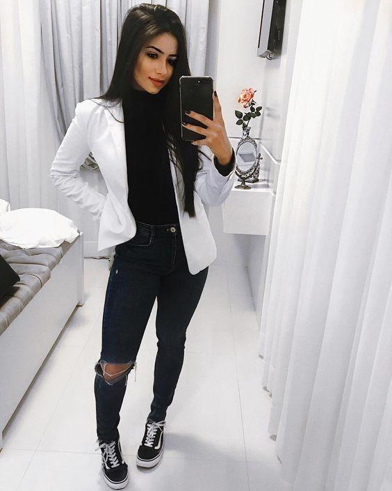 estilo casual com calça jeans escuro