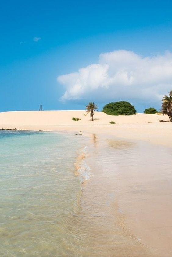 Sal, een van de Kaapverdische Eilanden is een lust voor het oog, maar als je er ook nog eens in een vijf sterren resort verblijft wil je er helemaal nooit meer vandaan! Let's go to paradise!