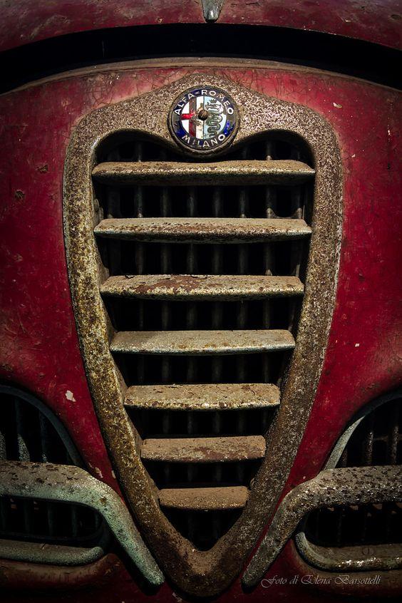 Alfa Romeo Logo / Badge / Emblem.Classic Car Art&Design @classic_car_art #ClassicCarArtDesign: