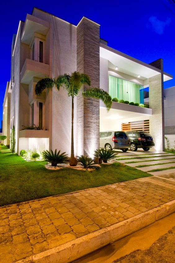 20 fachadas de casas modernas com linhas retas veja for Modelos de casas modernas