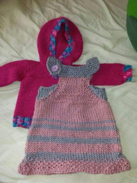 """Baby kleid vor dem filzen! Mit """"aldi"""" filzwolle lässt sich sehr gut stricken."""