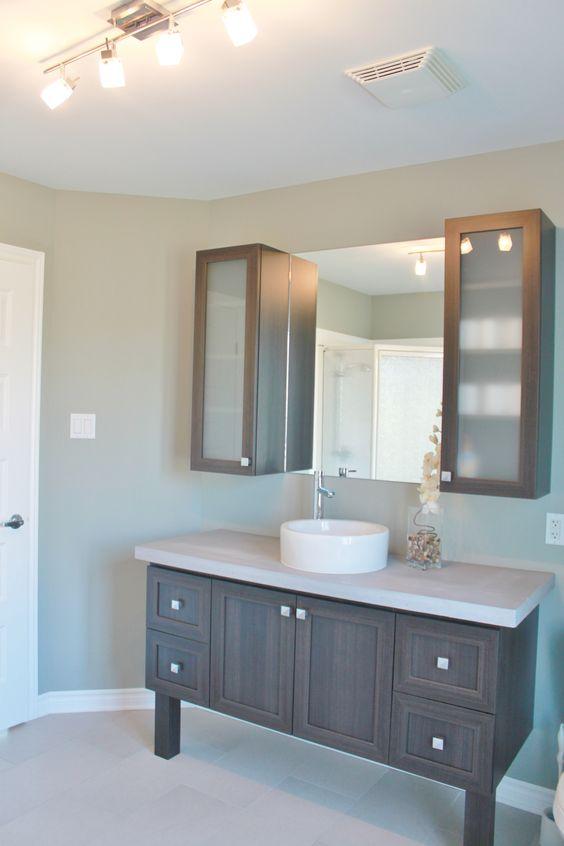 Voici un module de vanit disponible pour la salle de bain for Module salle de bain