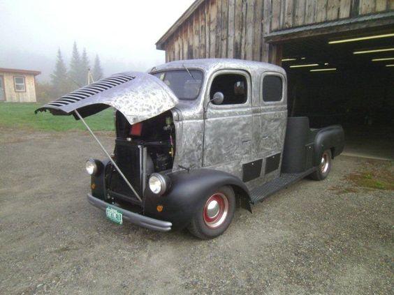 1946 Dodge COE custom crew cab for sale.    This truck is amazing!