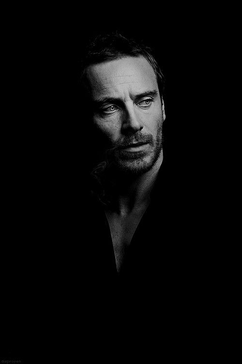 Michael Fassbender .... Hmmmm.... Love these dark portraits with light focused only on the face and upper torso. Like Rembrandt.