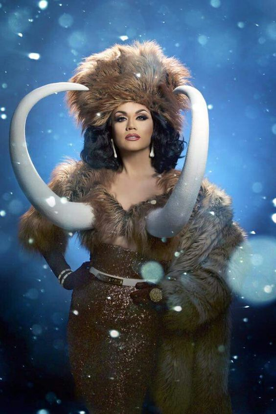 Manila Luzon. This look was EVERYTHING.