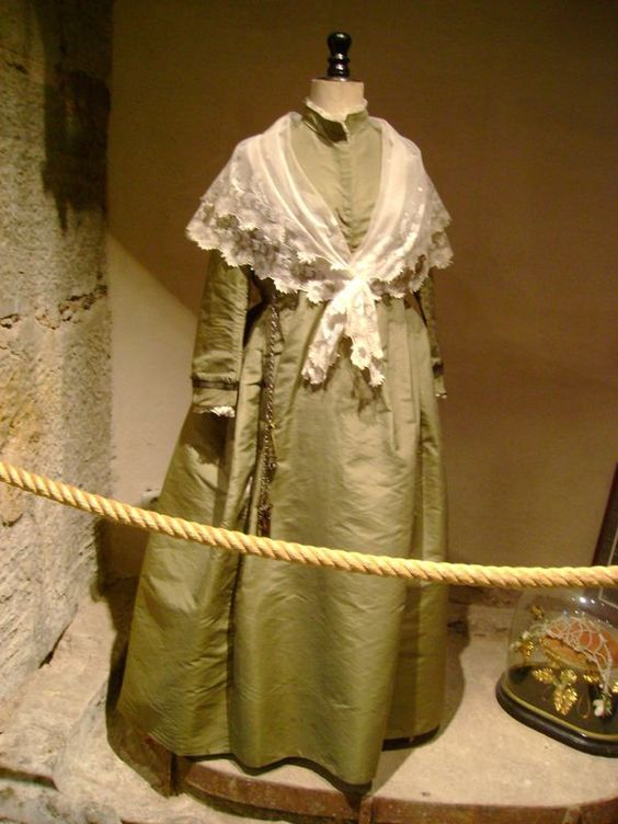 robe de mariée provençale XIXème  Beautifull Beauties ...