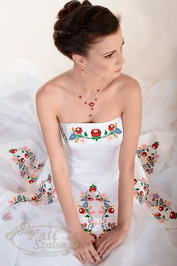 I 39 m surprise by how much i am loving this dress it 39 s a for How much is a custom wedding dress