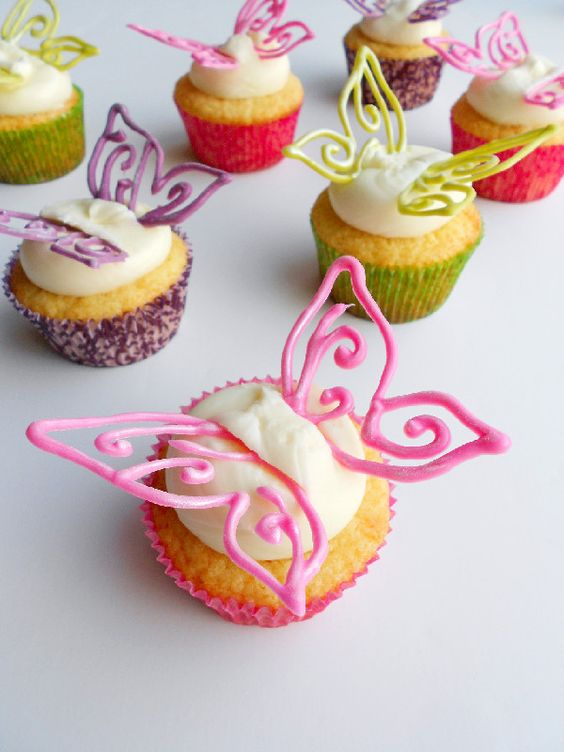 cupcakes with filigree candy melt butterflies