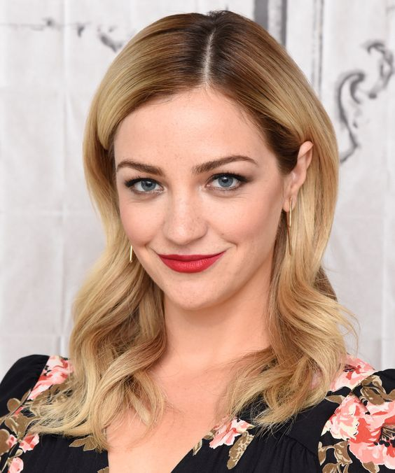 Odd Mom Out's Abby Elliott Is Married—and the Photos Are *Stunning* from InStyle.com