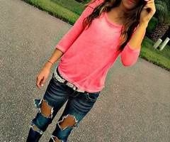 #Chic looks!#Fashion style!!# ripped jeans. baggy shirt. :)