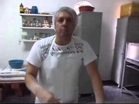 PASSE ADIANTE-MASSA DE PIZZA COM BORDA RECHEADA