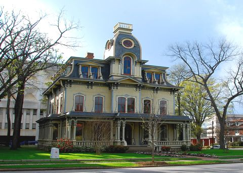 Empire architecture second empire style of architecture for Mansard style homes