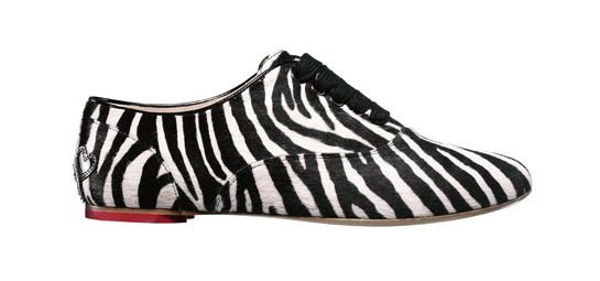 Derbies Katie Grand loves Hogan http://www.vogue.fr/mode/shopping/diaporama/shopping-imprime-zebre-rayures-animales/14664/image/808564#!hogan-derbies-zebre