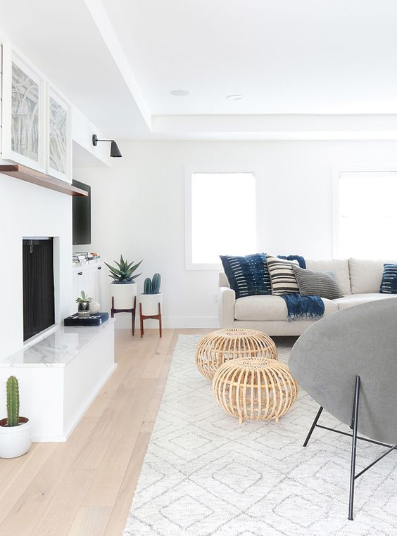 rugs in the home | living room decor | a subtle geometric rug to tie a space together