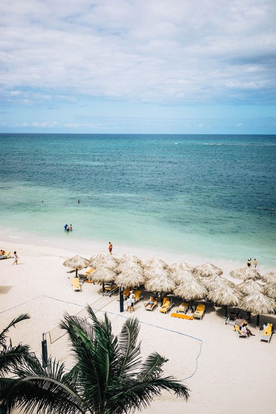 Paradise found in Jamaica || When in Jamaica, do as the locals do. Lay back, relax, and let the good vibes roll.: