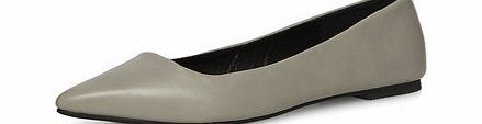 Dorothy Perkins Womens Grey resin sole pointed pumps- Grey Grey leather look resin sole pointed pumps. 100% Polyurethane. http://www.comparestoreprices.co.uk/womens-shoes/dorothy-perkins-womens-grey-resin-sole-pointed-pumps-grey.asp